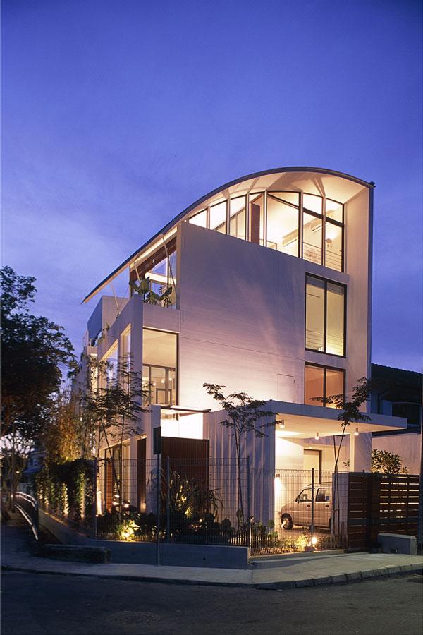 Corner terrace jalan tamban for Terrace house singapore